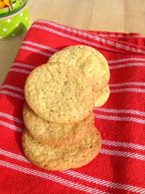 Vegan Safron Cardamom Cookies